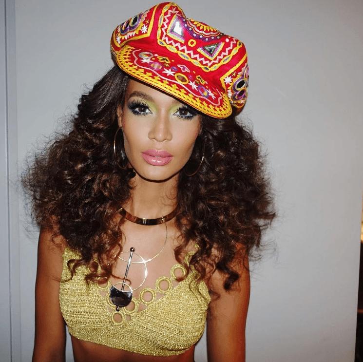 0fba87e8182e All that fabulous hair from Beyoncé s Soul Train birthday party ...