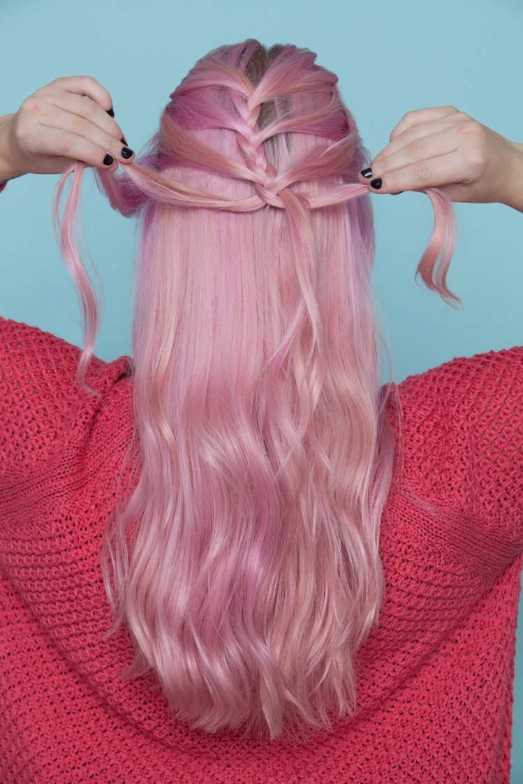 Step-by-step braiding tutorial for mermaid braids