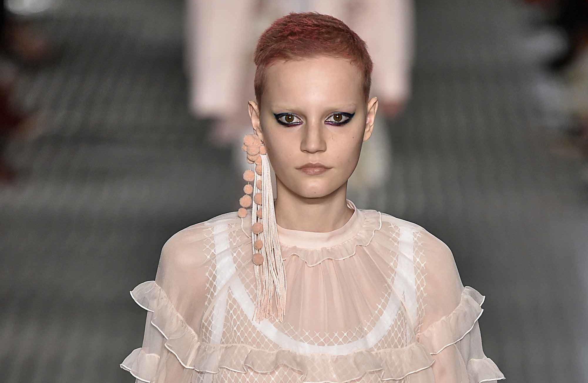 pink hair runway trend