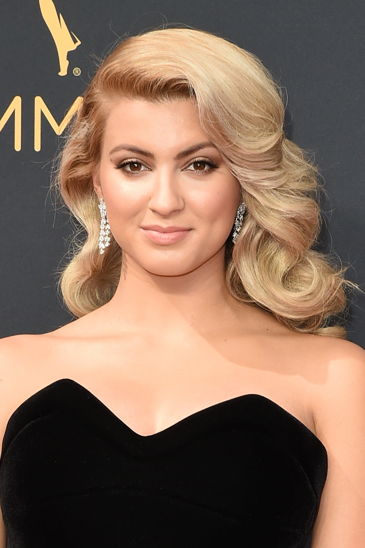Tori Kelly Emmy Awards 2016