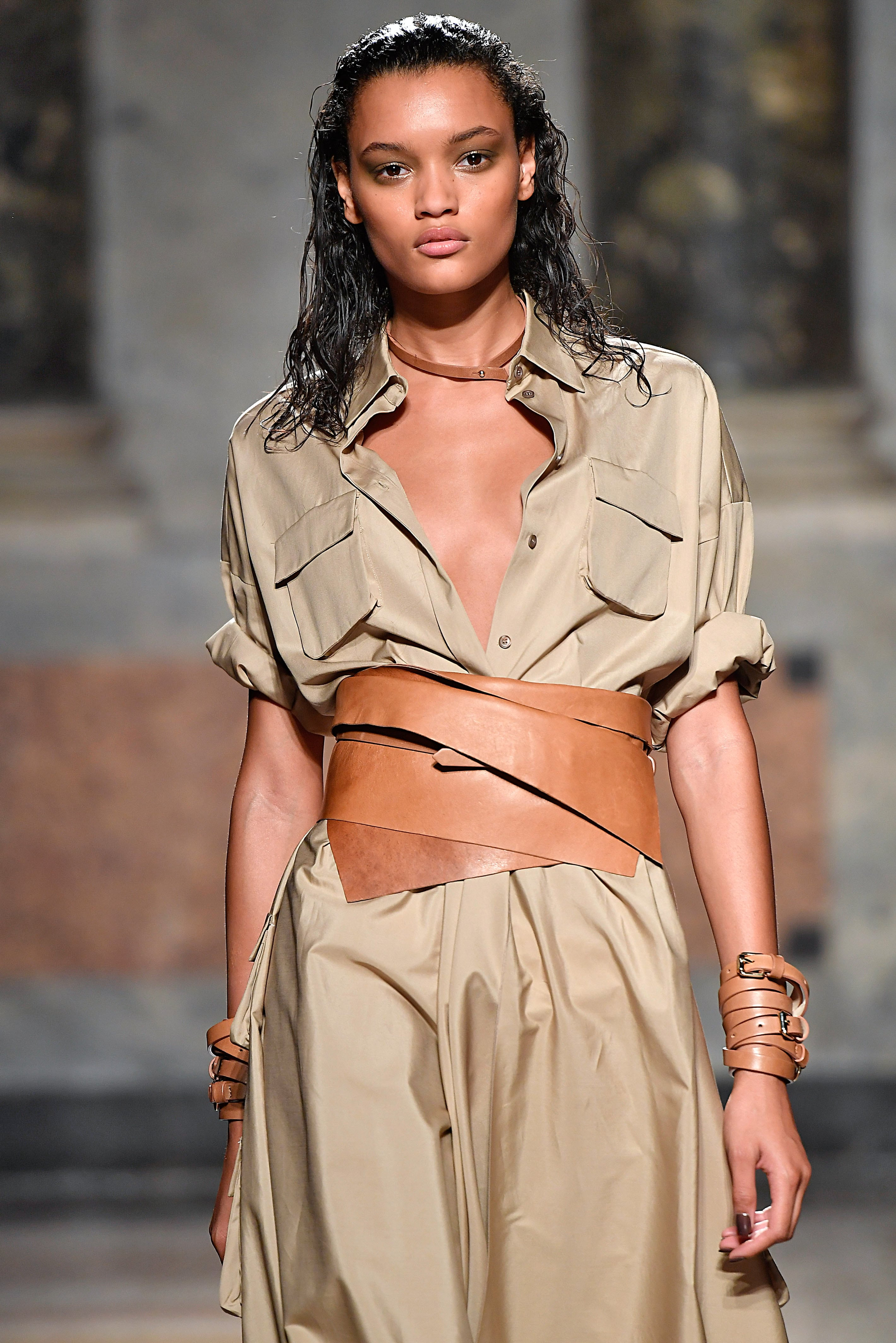 Best hair MFW SS17: All Things Hair - IMAGE - Les Copains wet look hair