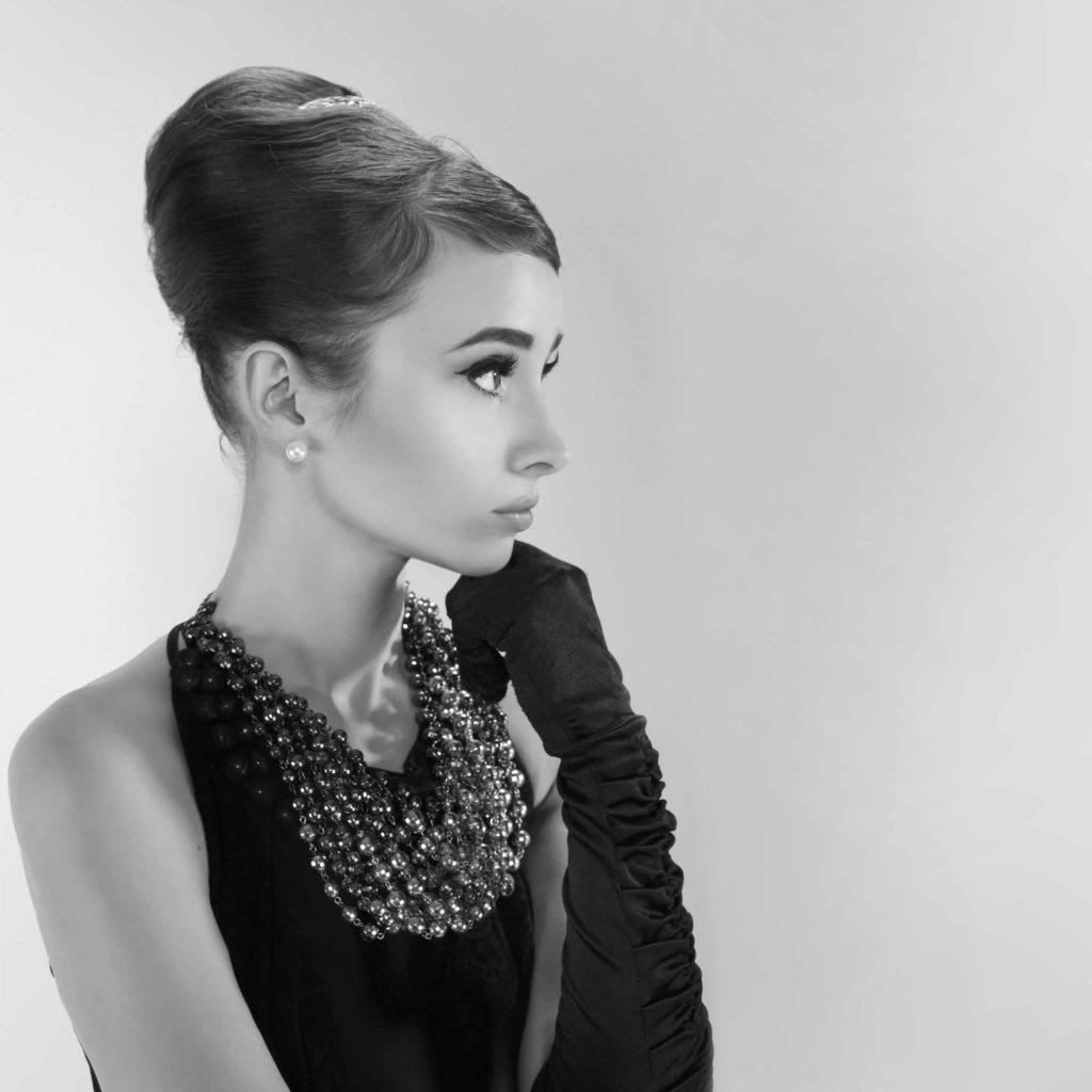 Lily Collins Rocks The Breakfast At Tiffanys Updo