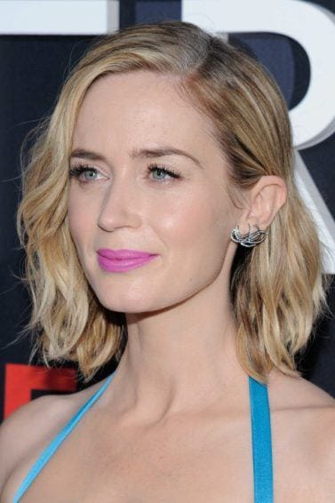 Emily Blunt with a wavy blonde highlighted bob