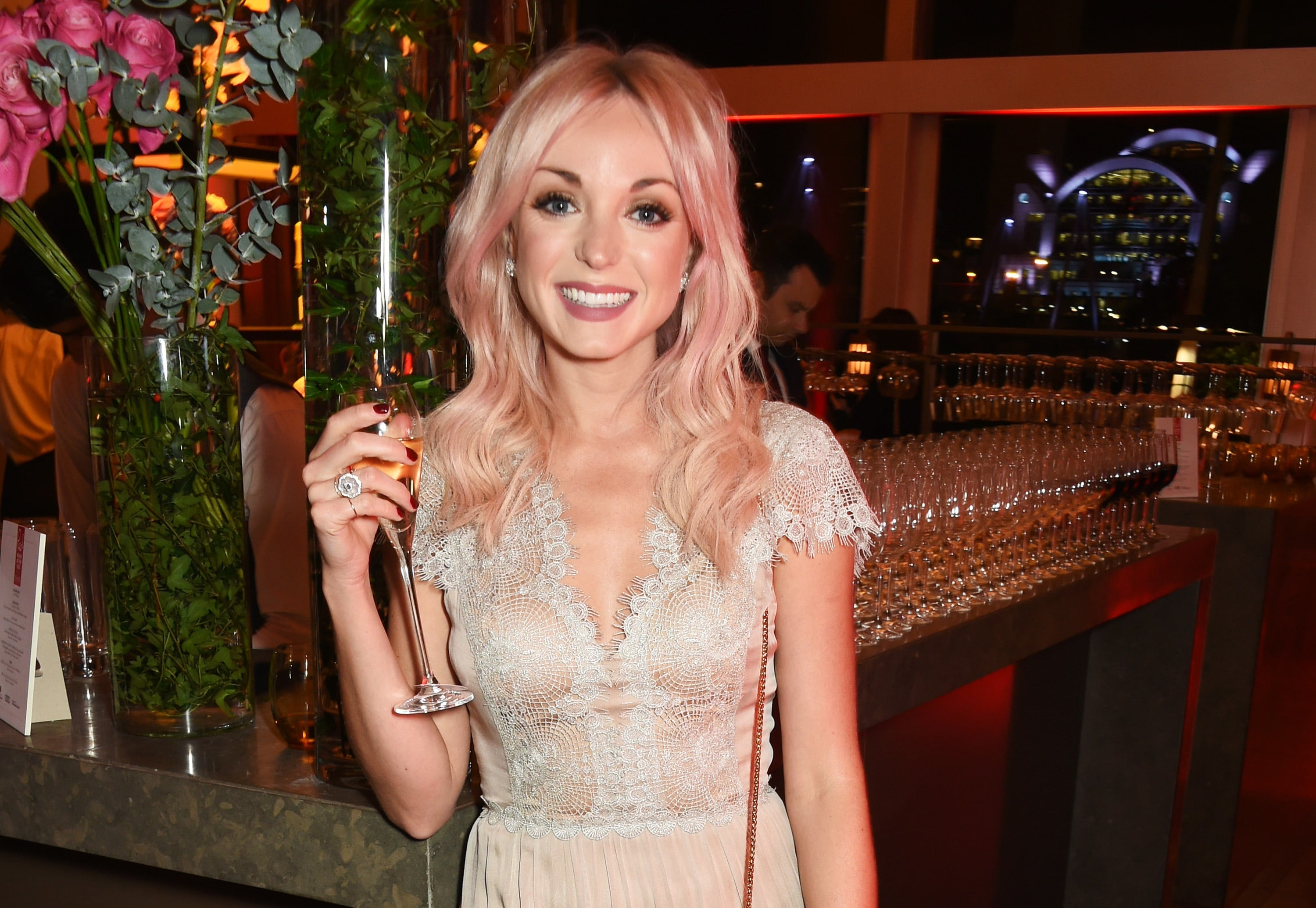 Helen George Shows Off Her New Pastel Pink Hair All Things Hair Uk