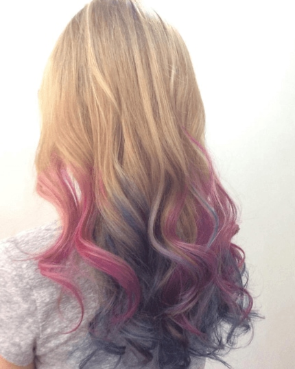 Easy styles for curly hair: the back view of dip-dye curly hair