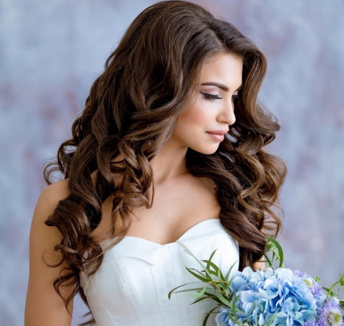 Wedding Hairstyle Curly: 30 Curly Wedding Hair Looks To Inspire