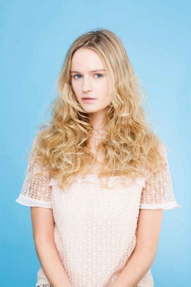 curling wand: All Things Hair - IMAGE - tousled waves blonde hair