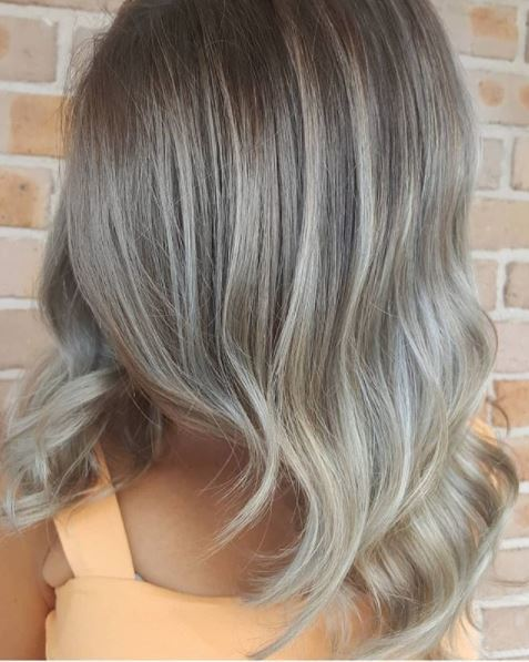 instagram pic of @ambsy-k showing her ash blonde/grey toned hair