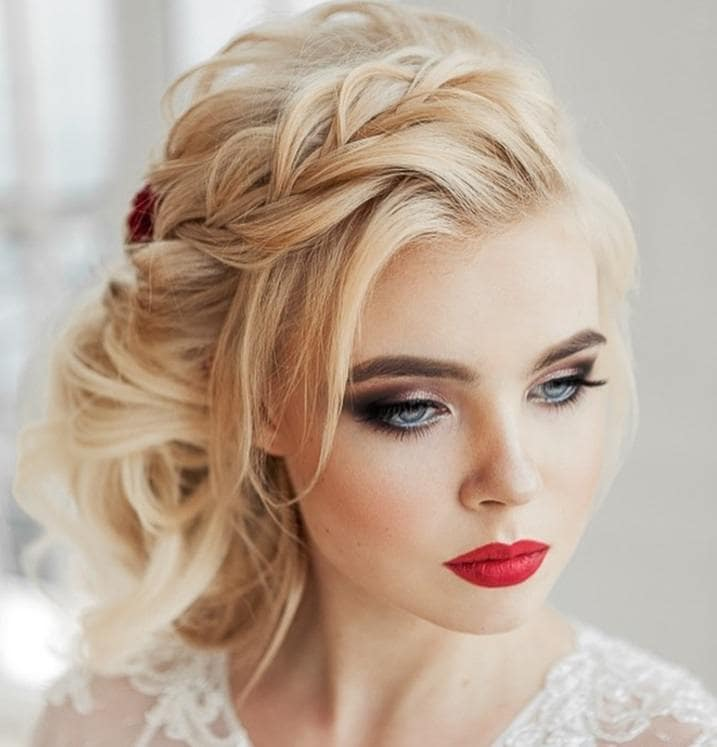 30 Curly Wedding Hair Looks To Inspire