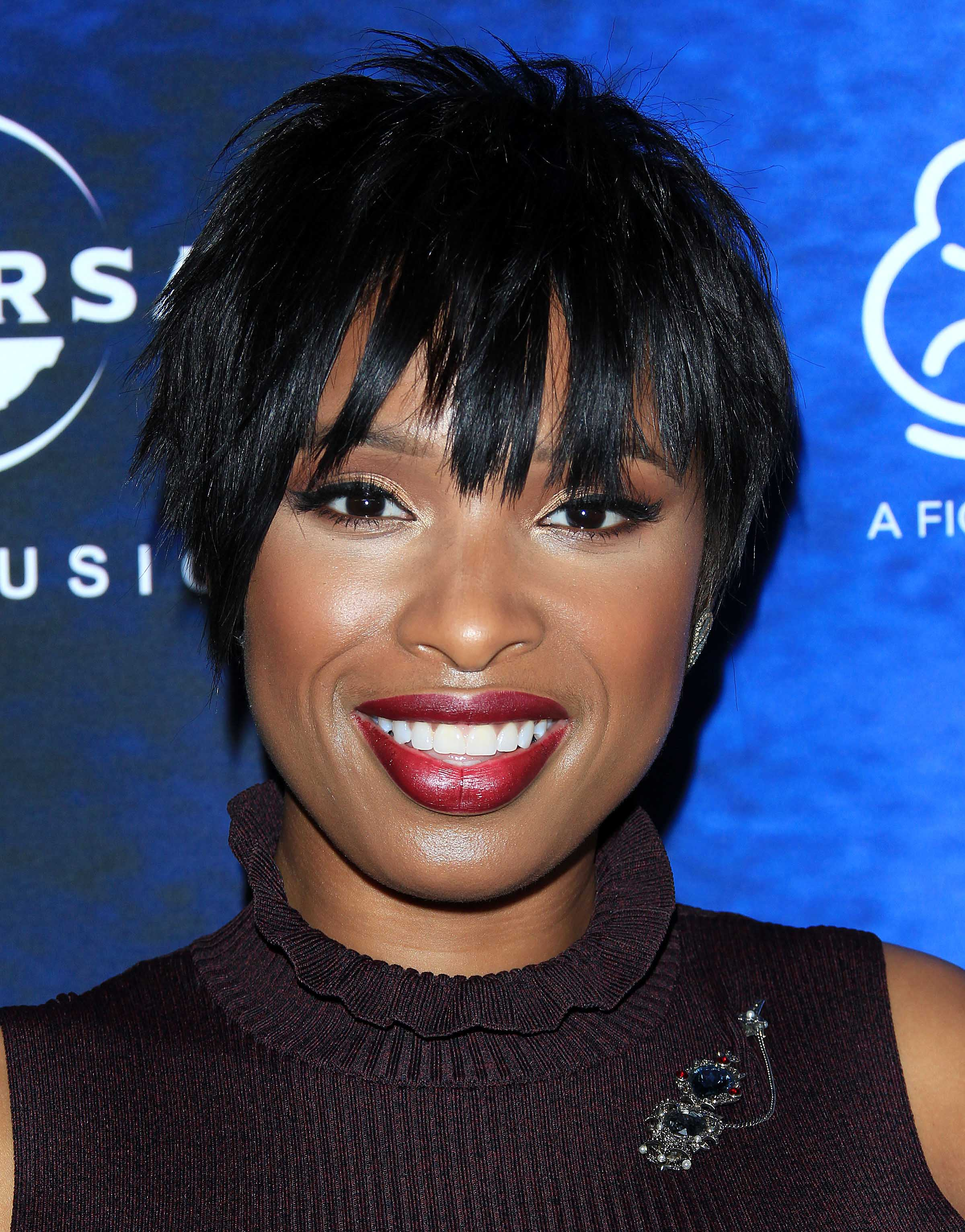 celebrity hair: All Things Hair - IMAGE - 2016 Jennifer Hudson pixie crop