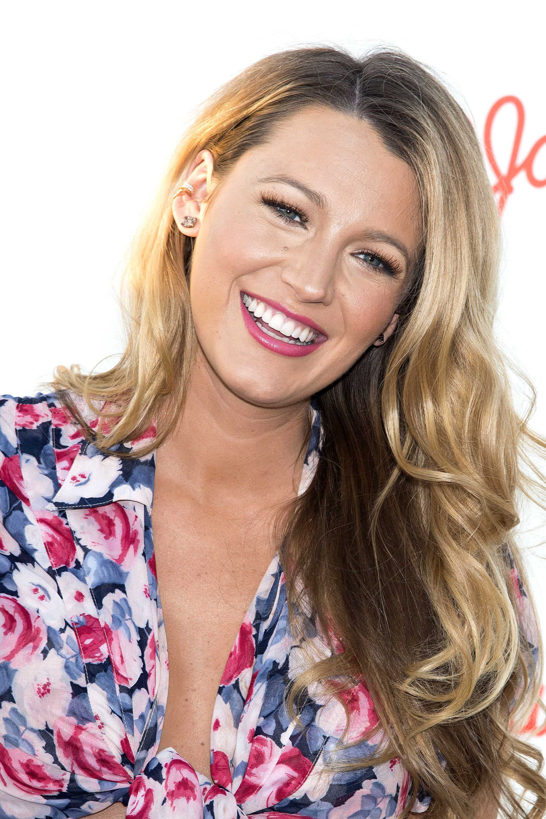 celebrity hair: All Things Hair - IMAGE - 2016 Blake Lively long wavy blonde highlighted hair
