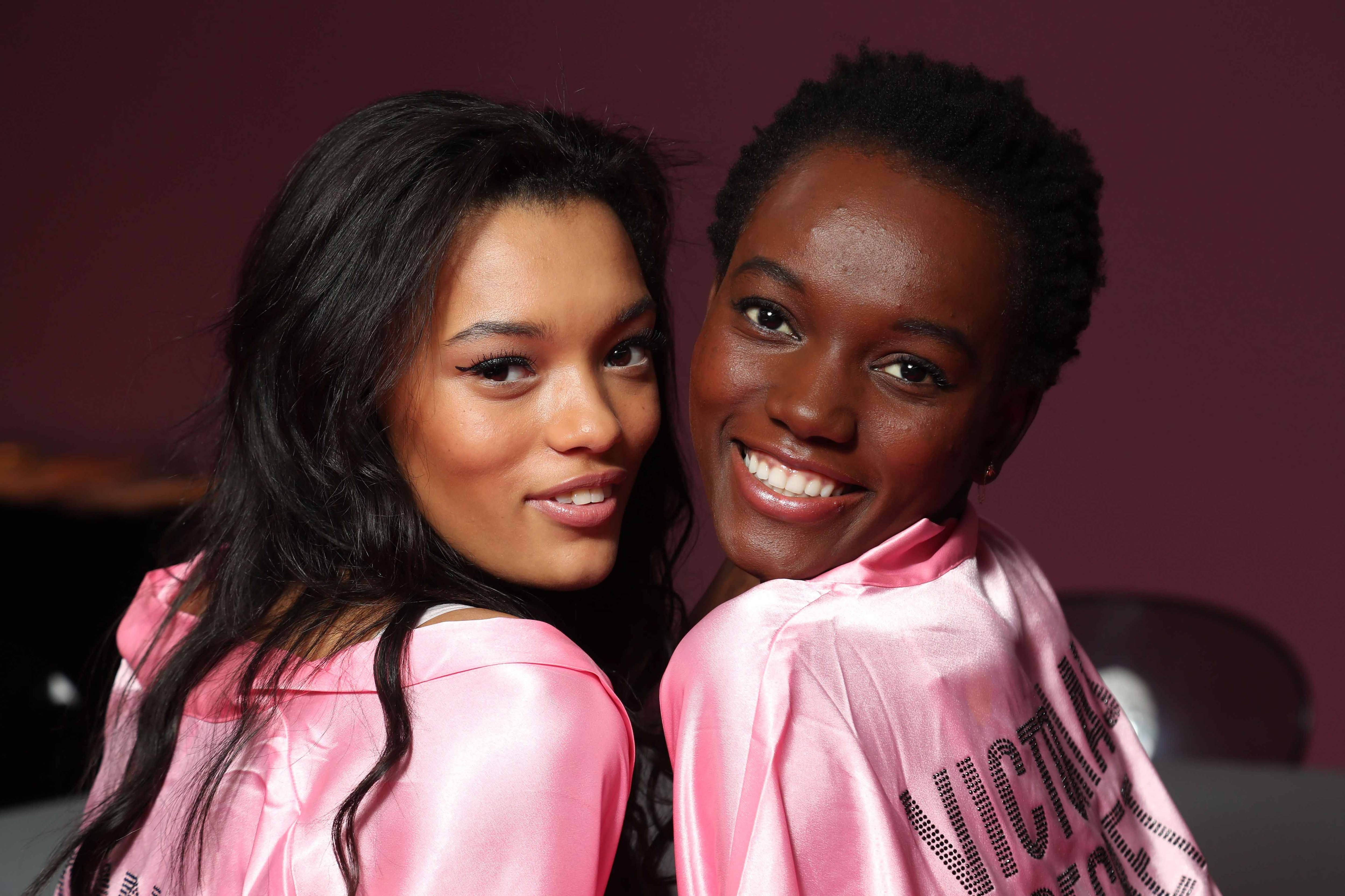 Victorias Secret Fashion Show 2016: All Things Hair - IMAGE - Lameka Fox and Maria Bourges short afro hair long wavy