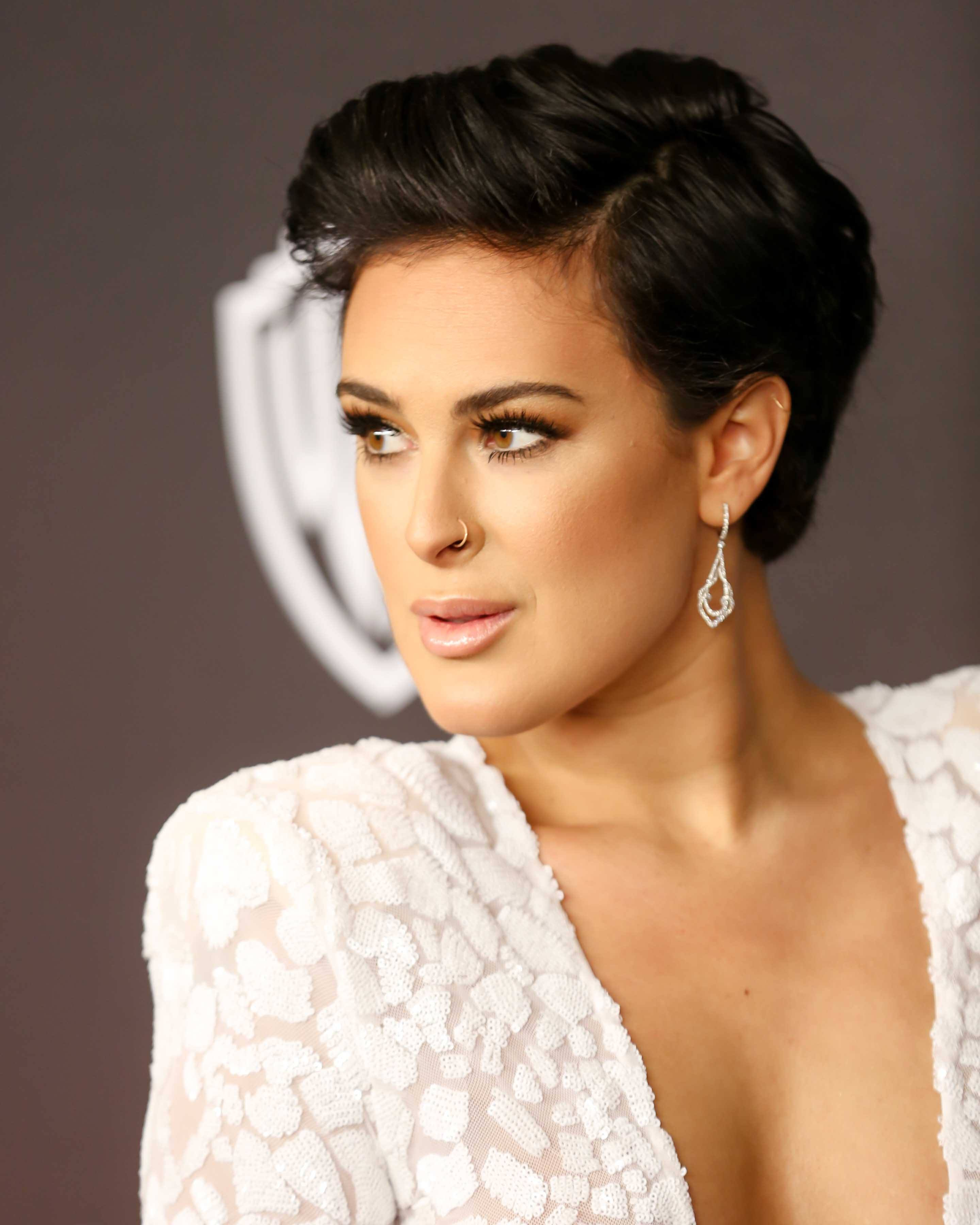 celebrity hair: All Things Hair - IMAGE - 2016 pixie crop brown hair