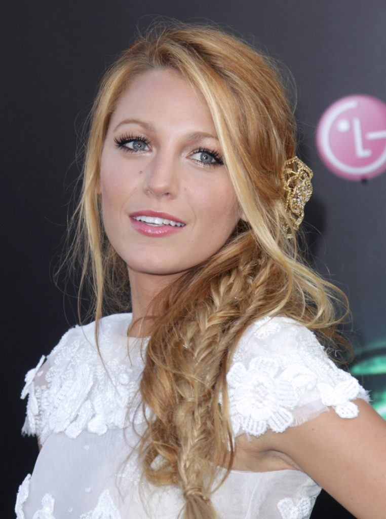 Blake Lively messy side braids hairstyle at green lantern premiere