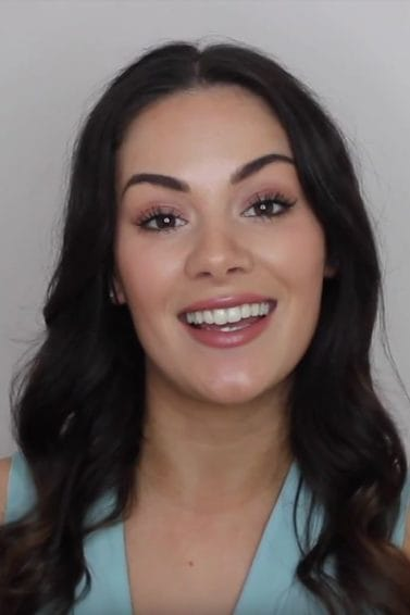 How to curl your hair: vlogger Daisie Smith with long, wavy curls
