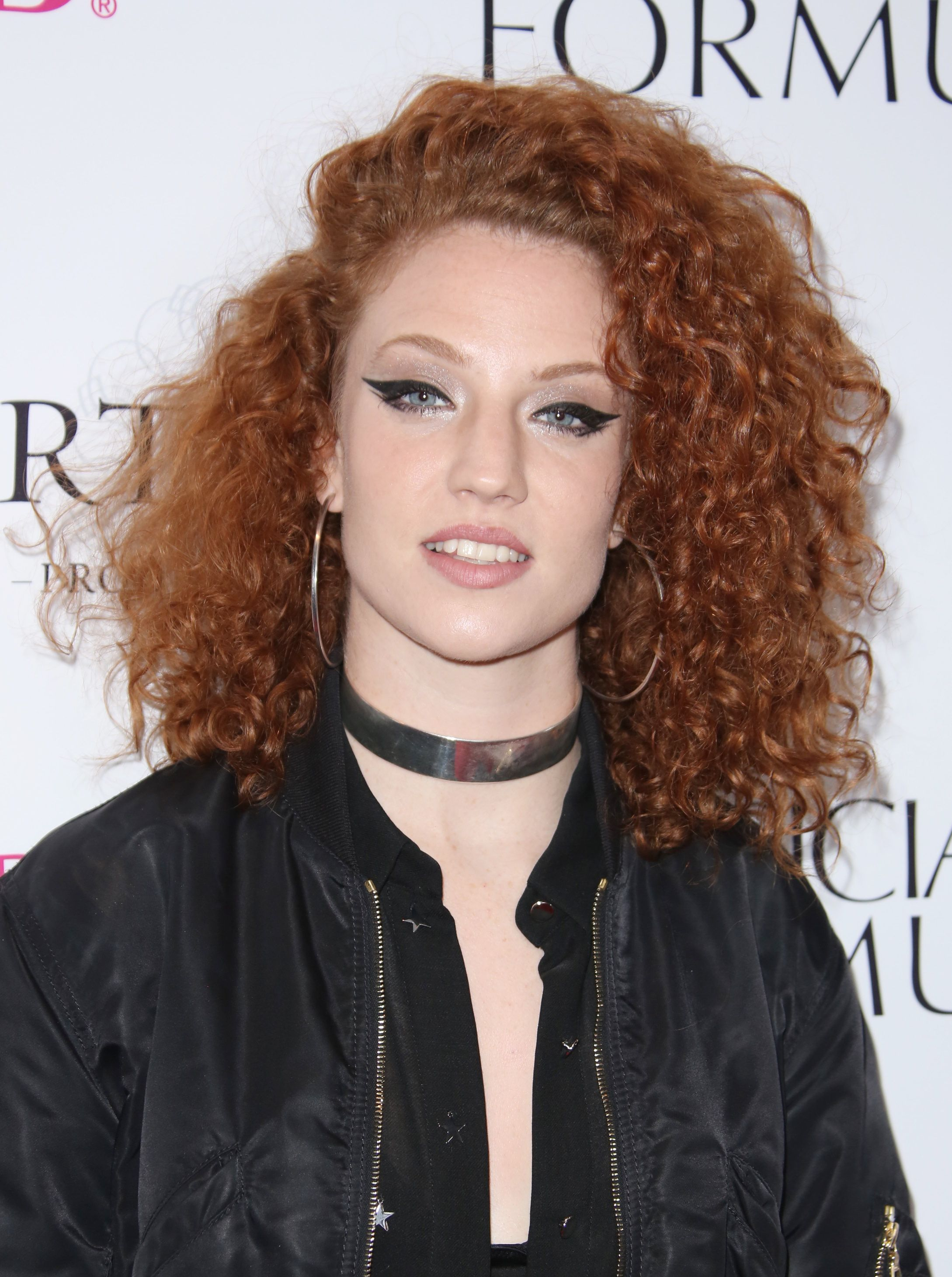 2017 hairstyles: All Things Hair - IMAGE - Jess Glynne curly red hair