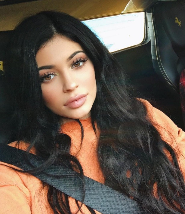 Kylie Jenner Reveals A New Chin Grazing Chop On Instagram