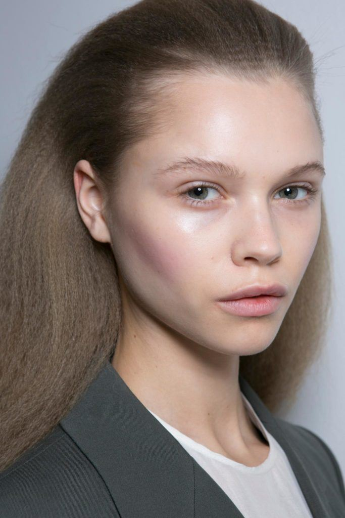Crimped Hairstyle At Ports 1961 London Fashion Week All