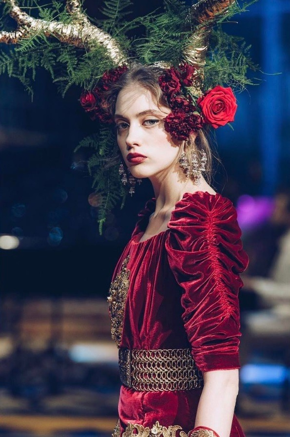 model with floral headpieces