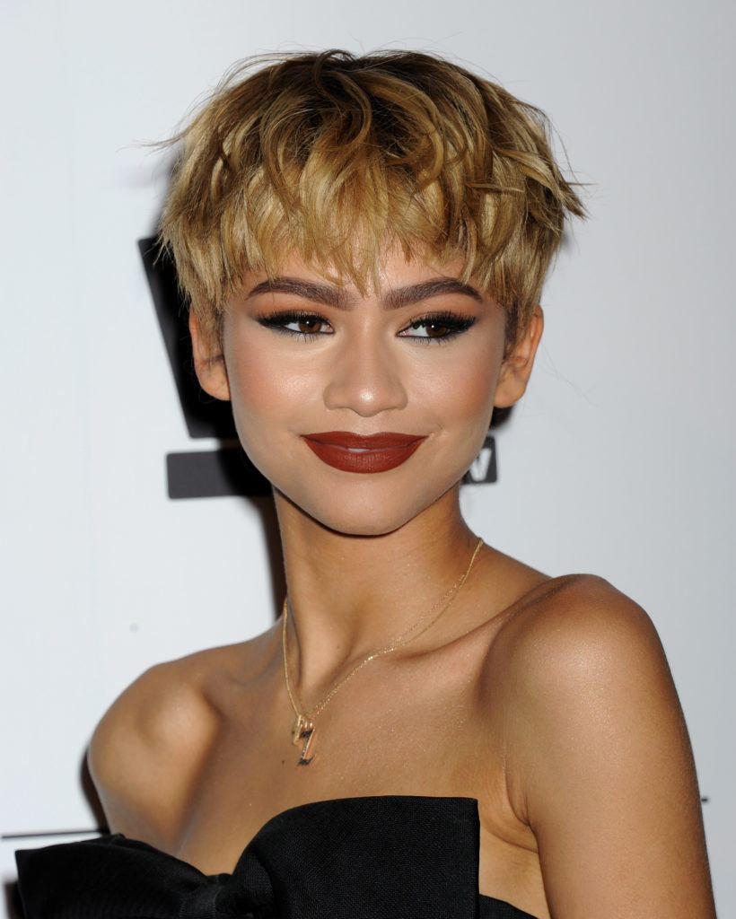 zendaya with bronde feathered pixie cut