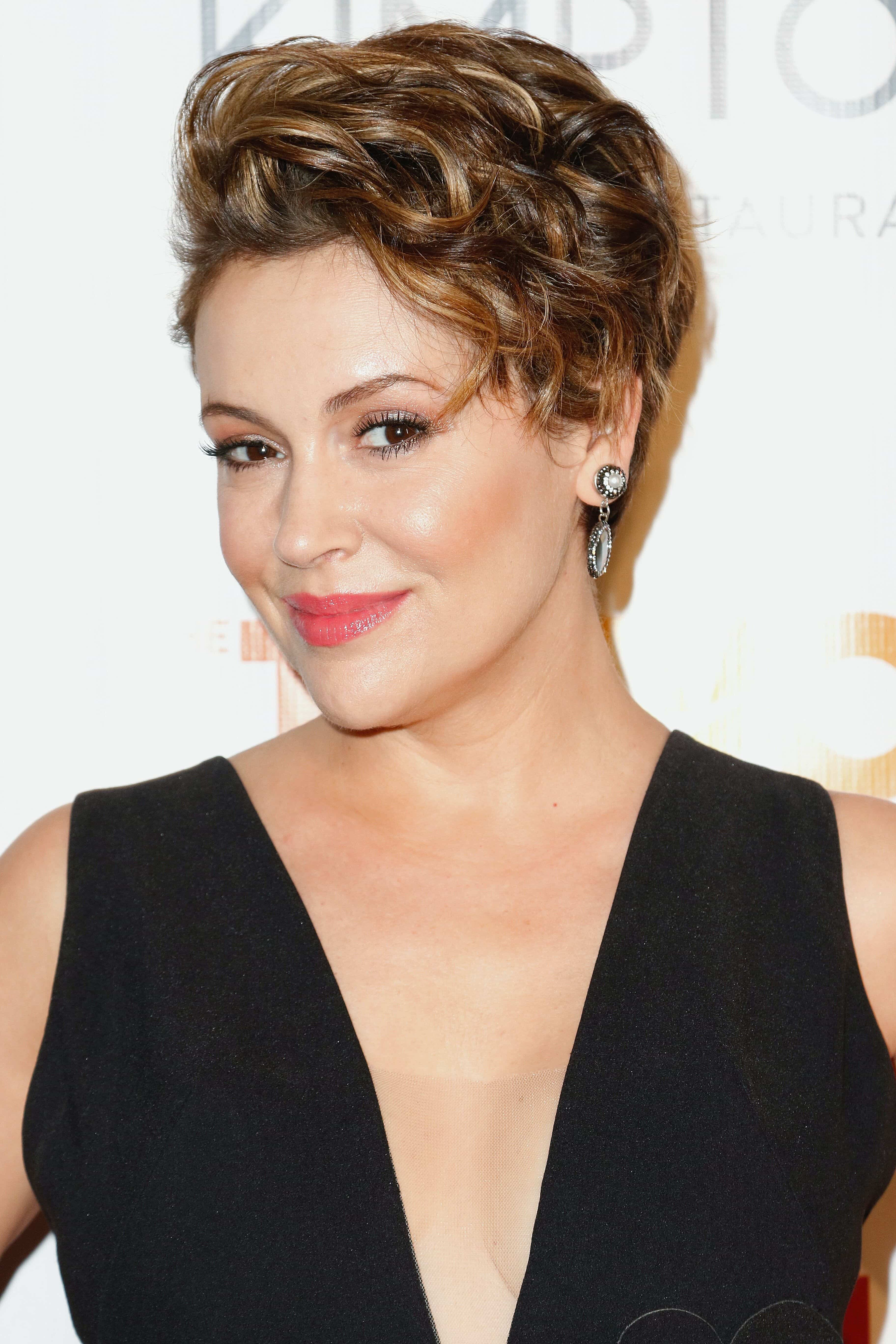 new hairstyles for short hair: Alyssa Milano wavy graduated pixie crop