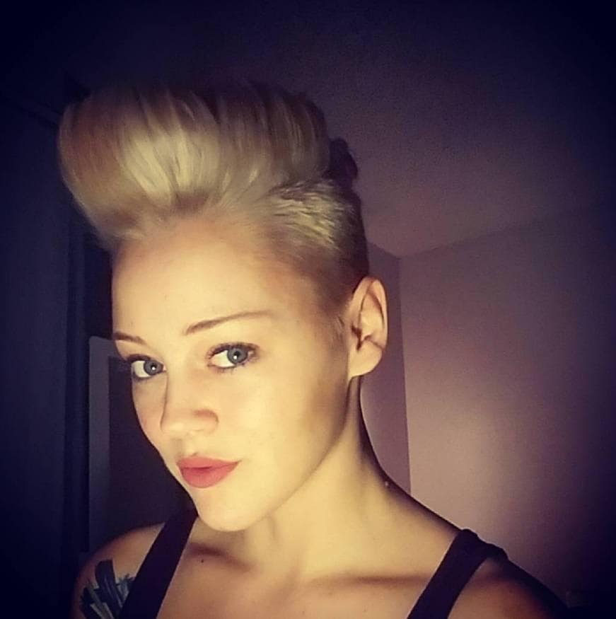 17 Female Mohawk Hairstyles That Ll Really Turn Heads Punk 101