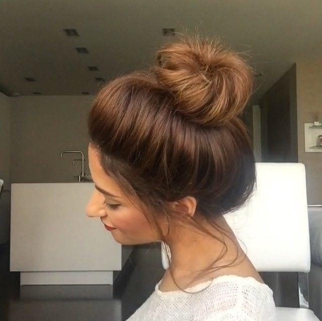How to do a messy bun with long hair in 6 steps beginners guide to how to do a bun with long hair urmus Gallery