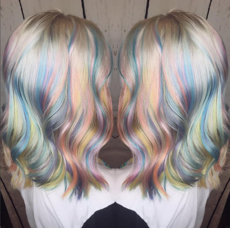 Double picture of holographic hair - Instagram