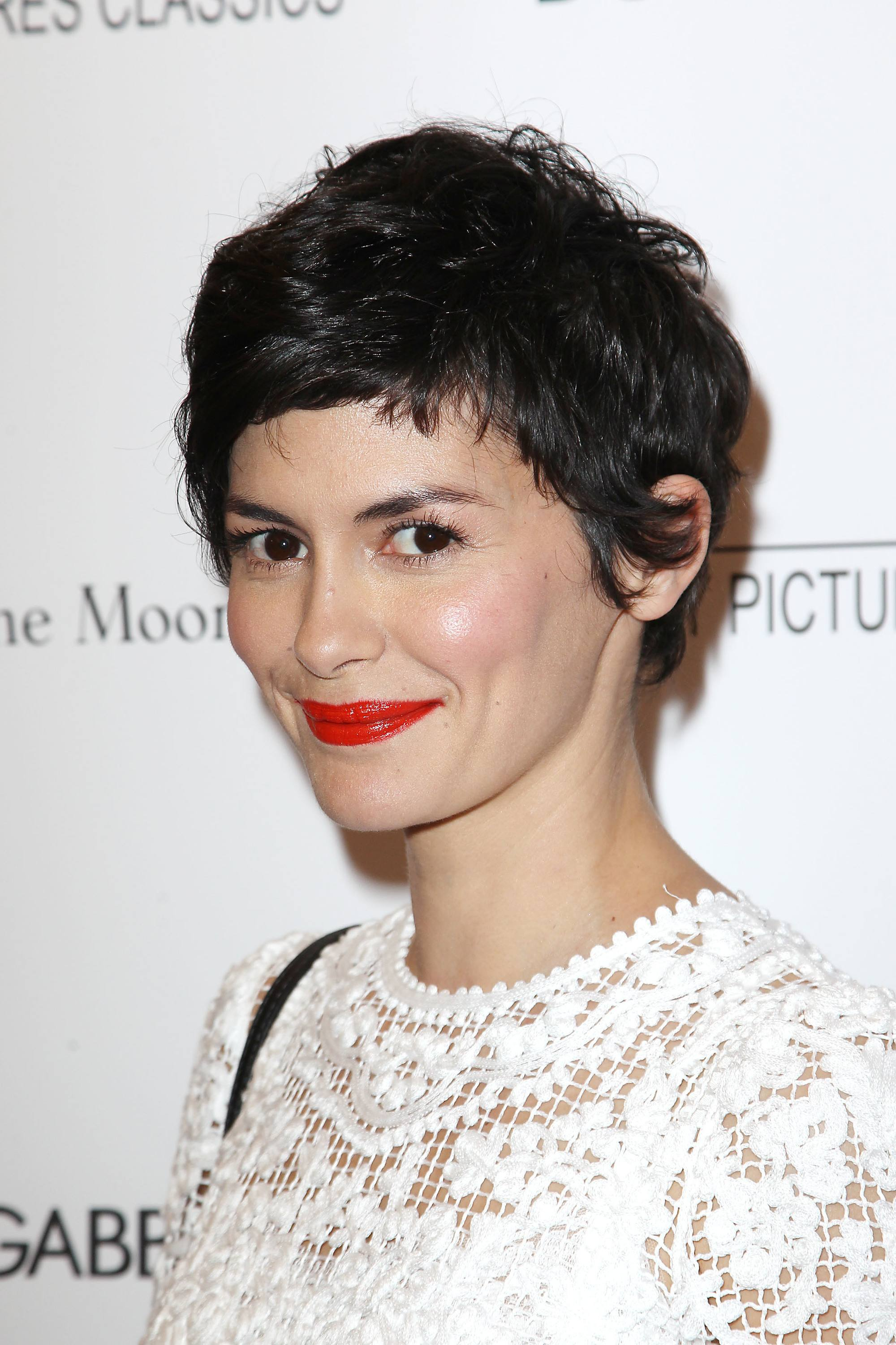 haircut ideas for round faces: audrey tautou with messy pixie cut on the red carpet