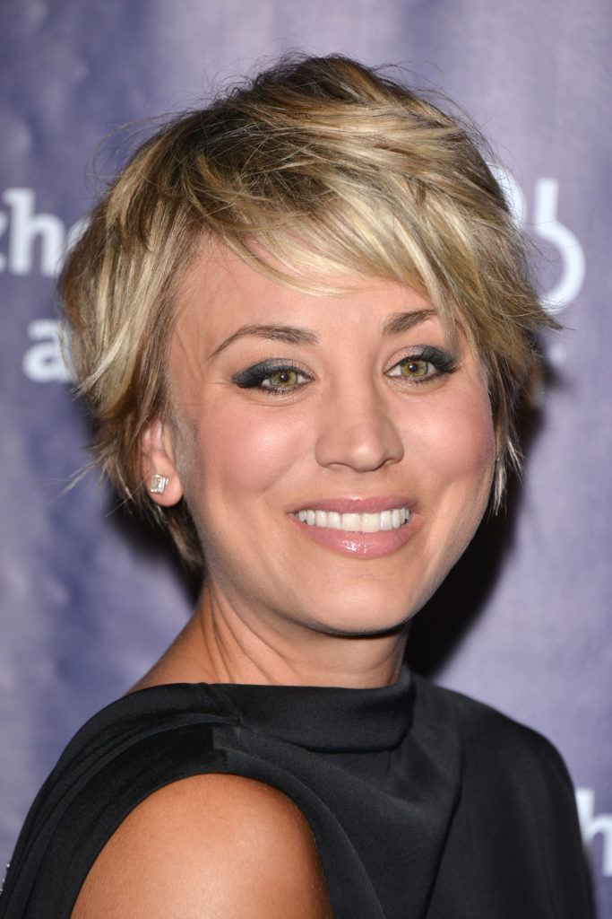 Kaley Cuoco - 2015 - Blonde long pixie cut - Rex