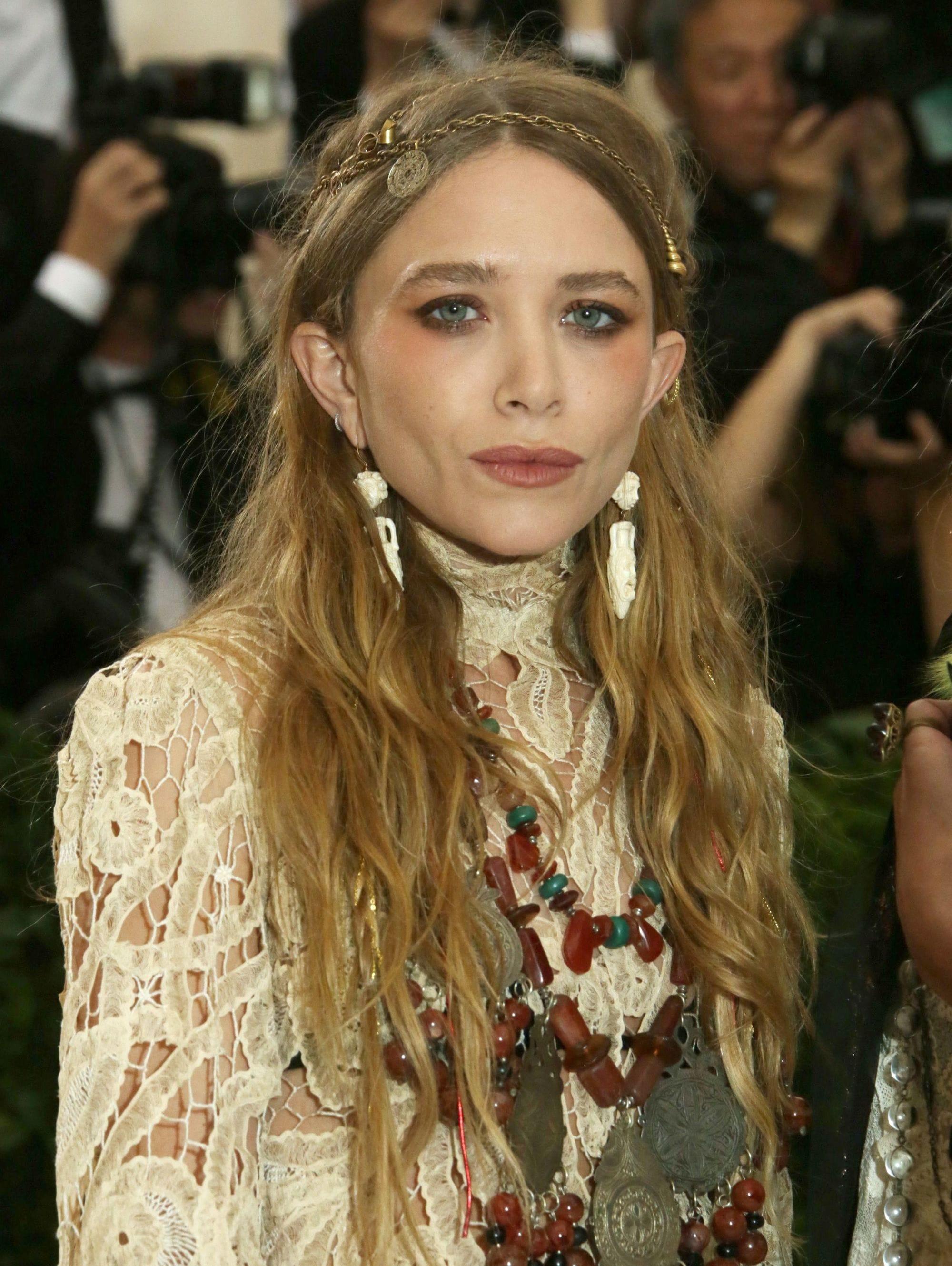 Mary-Kate Olsen - strawberry blonde hair - long boho waves