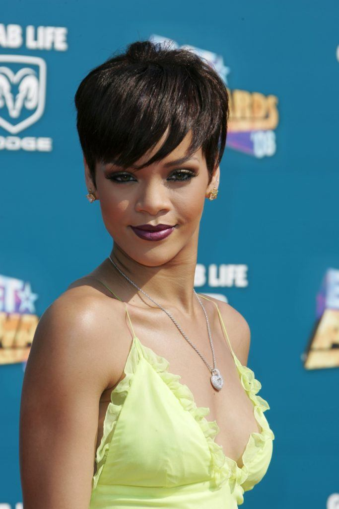 Rihanna long chocolate brown pixie cut - 2008 - Rex