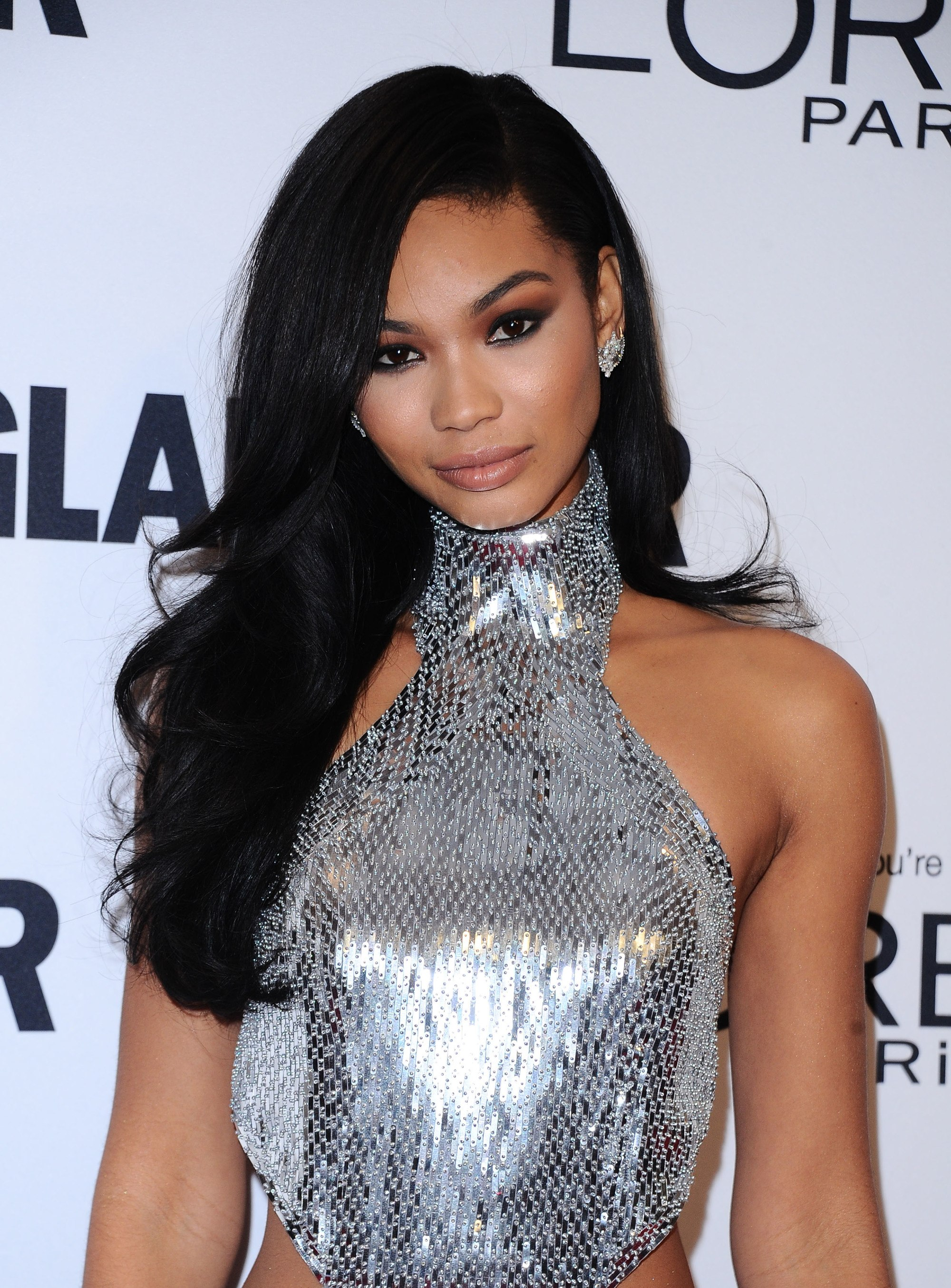 hairstyles for a round face: chanel iman