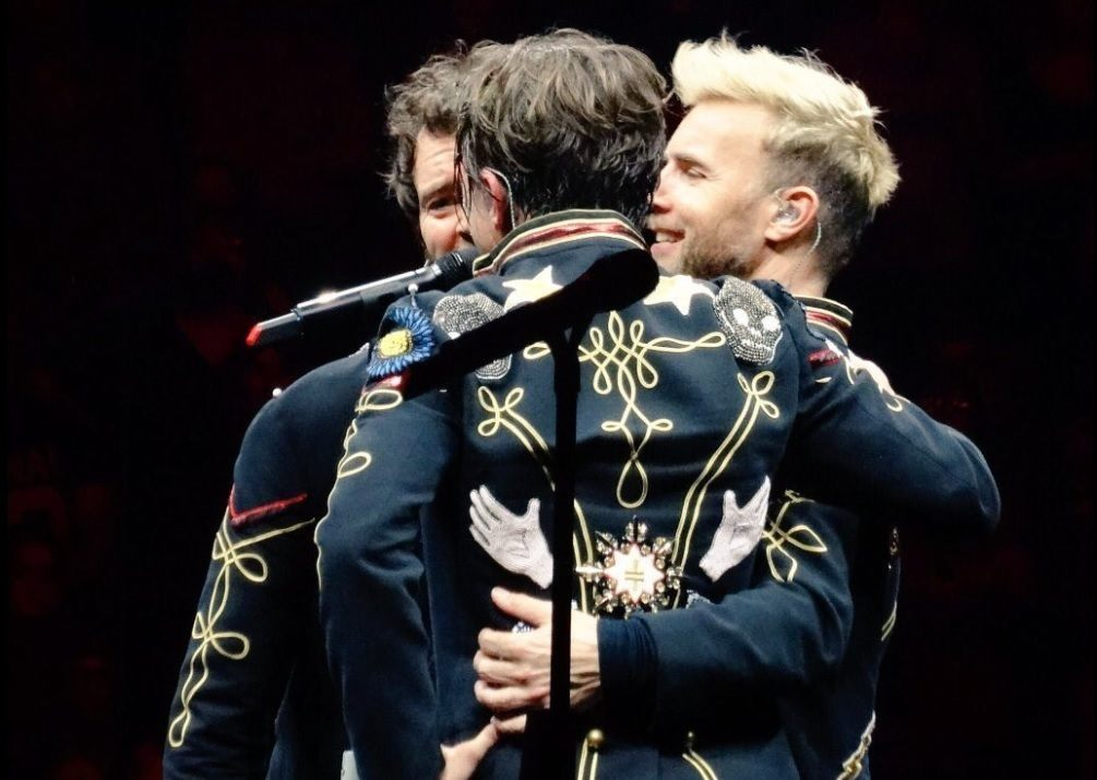 gary barlow with new bleached blonde hair at the take that wonderland tour