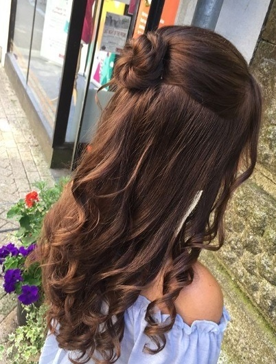 23 Curly Prom Hairstyles To Make It A Night To Remember 2018 Update