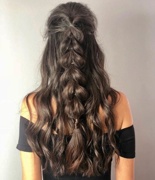 24 Top Curly Prom Hairstyles (2019 Update)