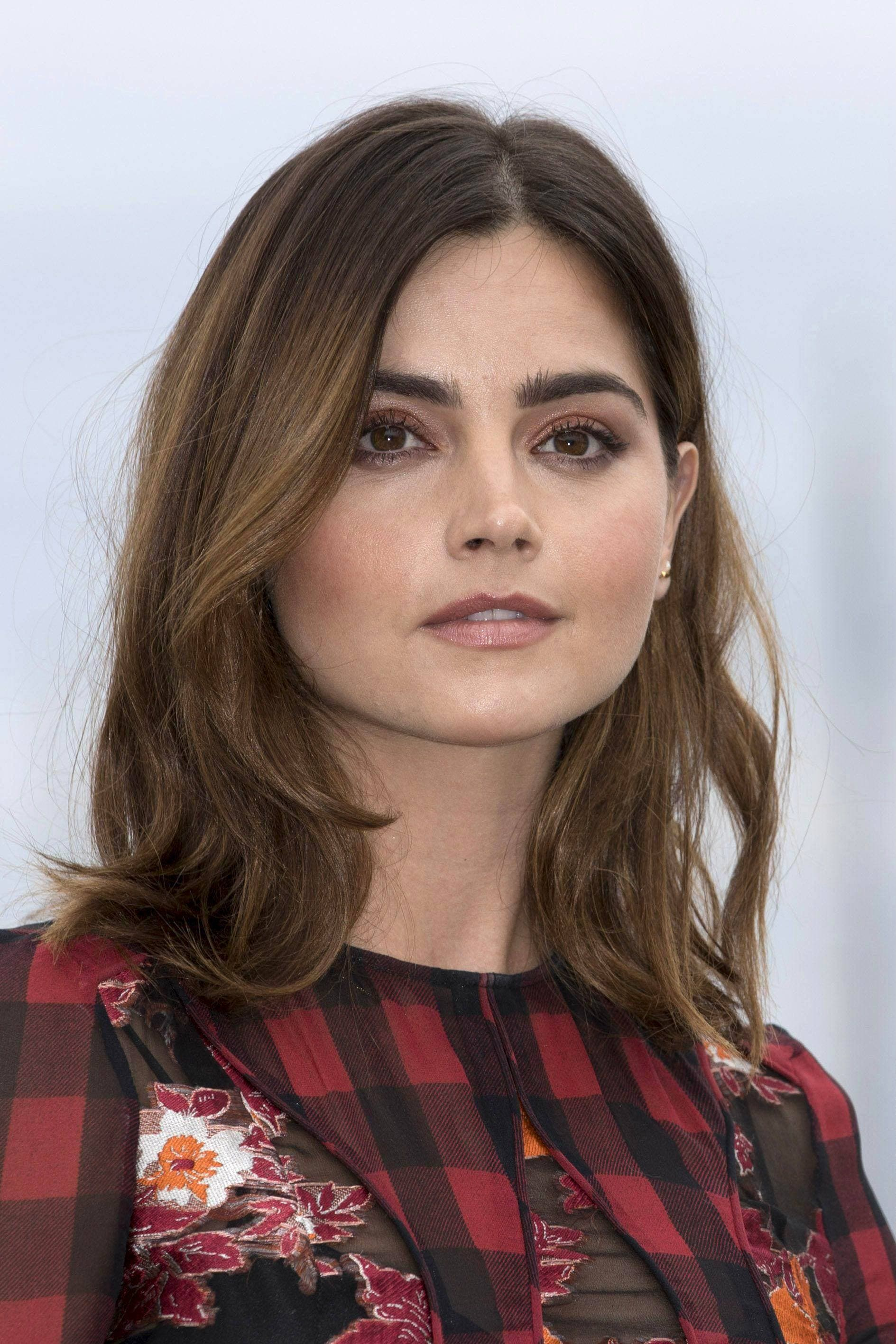 20 Best Shoulder Length Layered Haircut Photos 2019 All