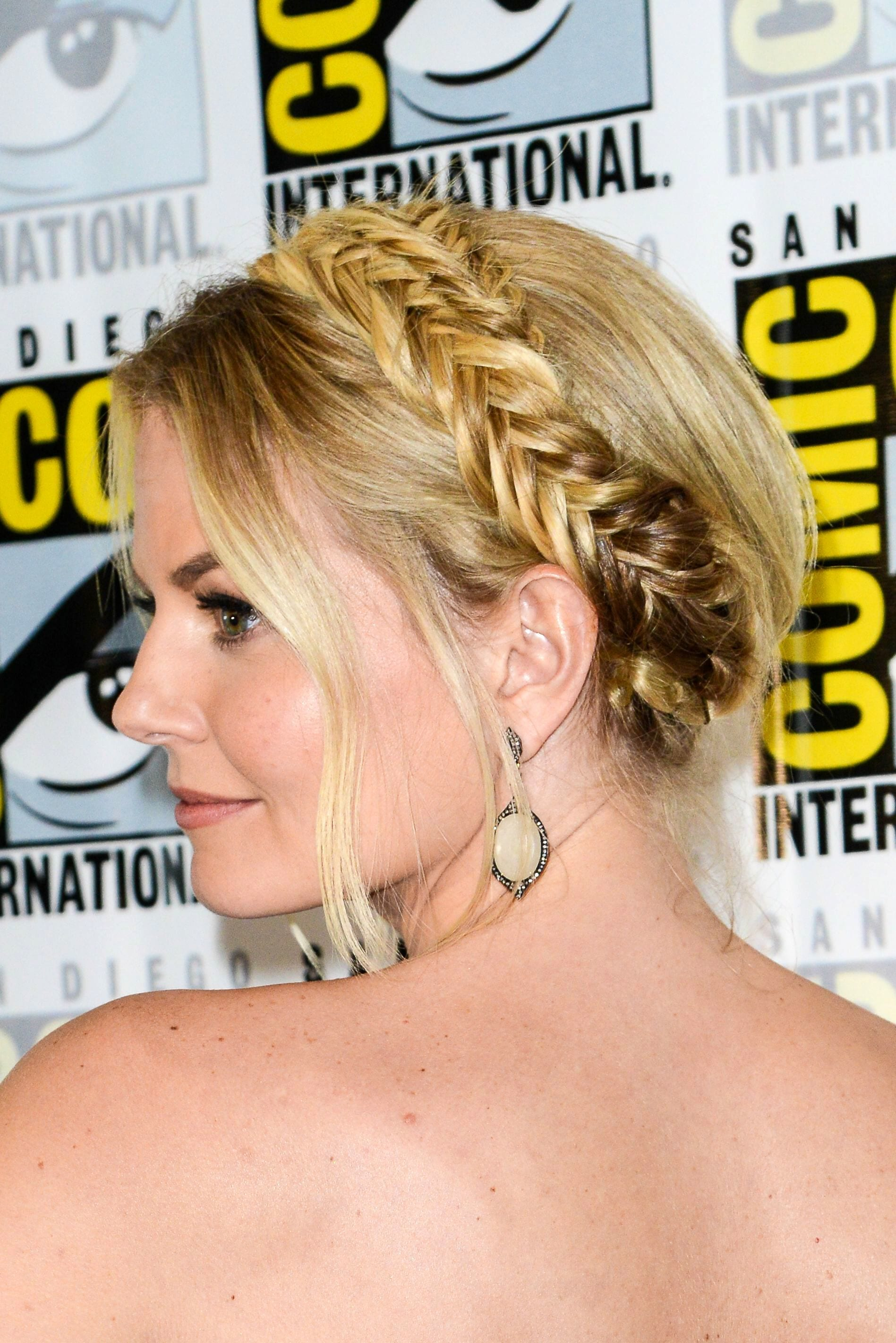 prom updos: side shot of Once Upon A Time star Jennifer Morrison with fishtail plait hairstyle on the red carpet