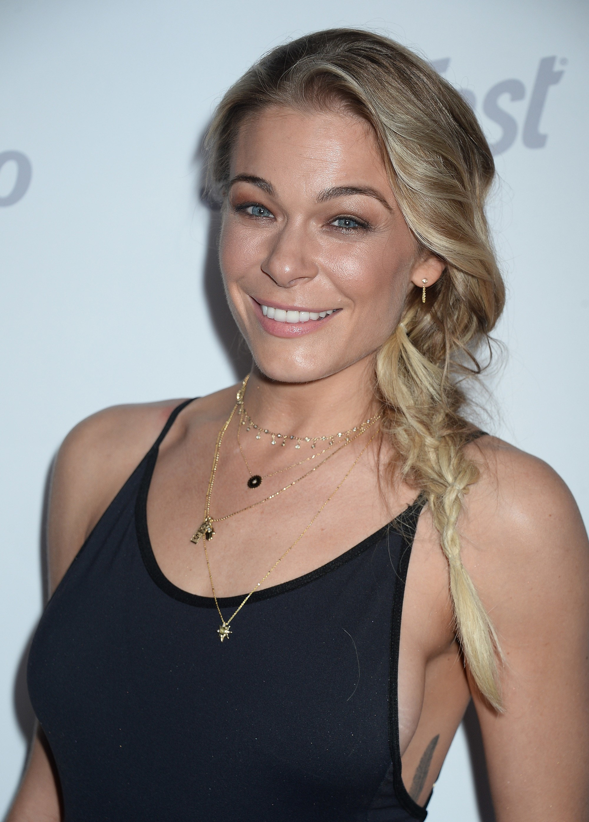 Leann Rimes Just Got A Lob Cut For The First Time Amp It S