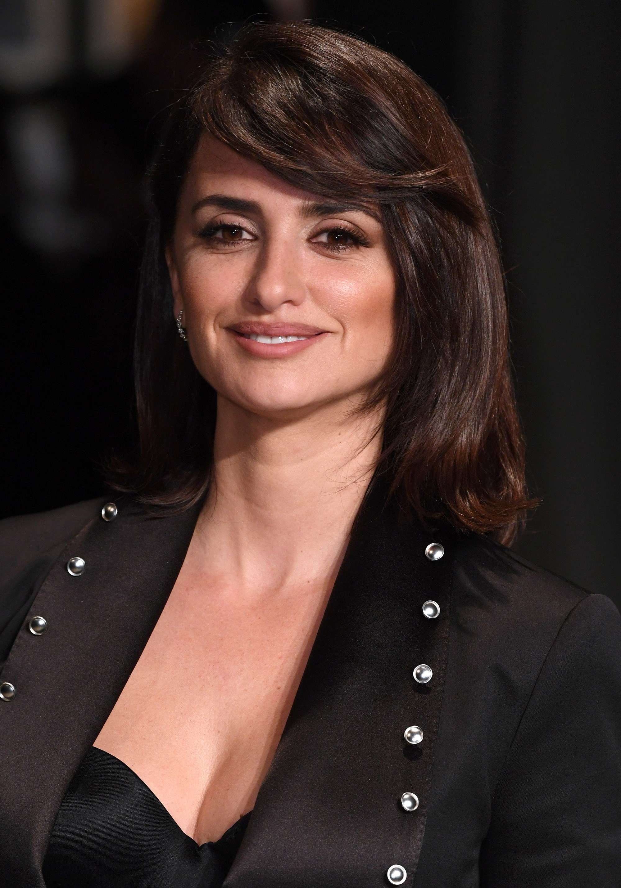 actress penelope cruz with shoulder length hair and flicky side bangs
