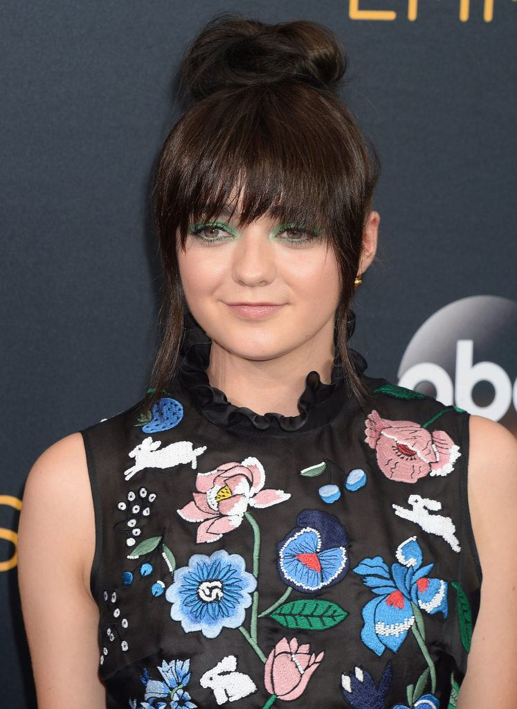 game of thrones actress maisie williams with brunette tinkerbell wispy bangs