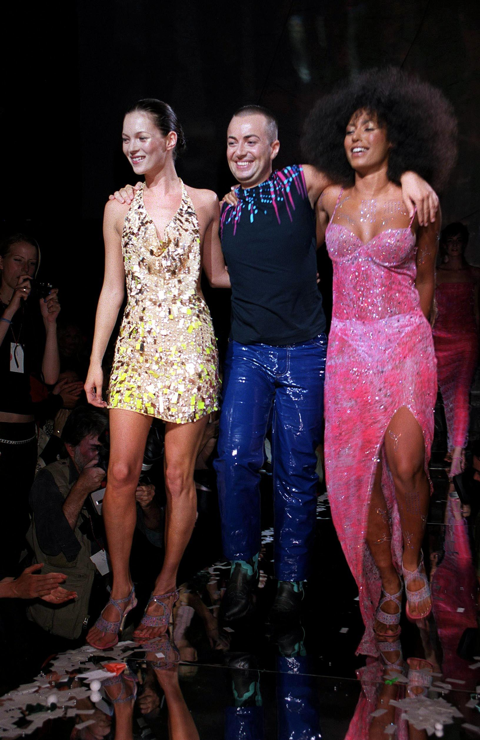 shot of mel b on the julien macdonald runway with afro hair