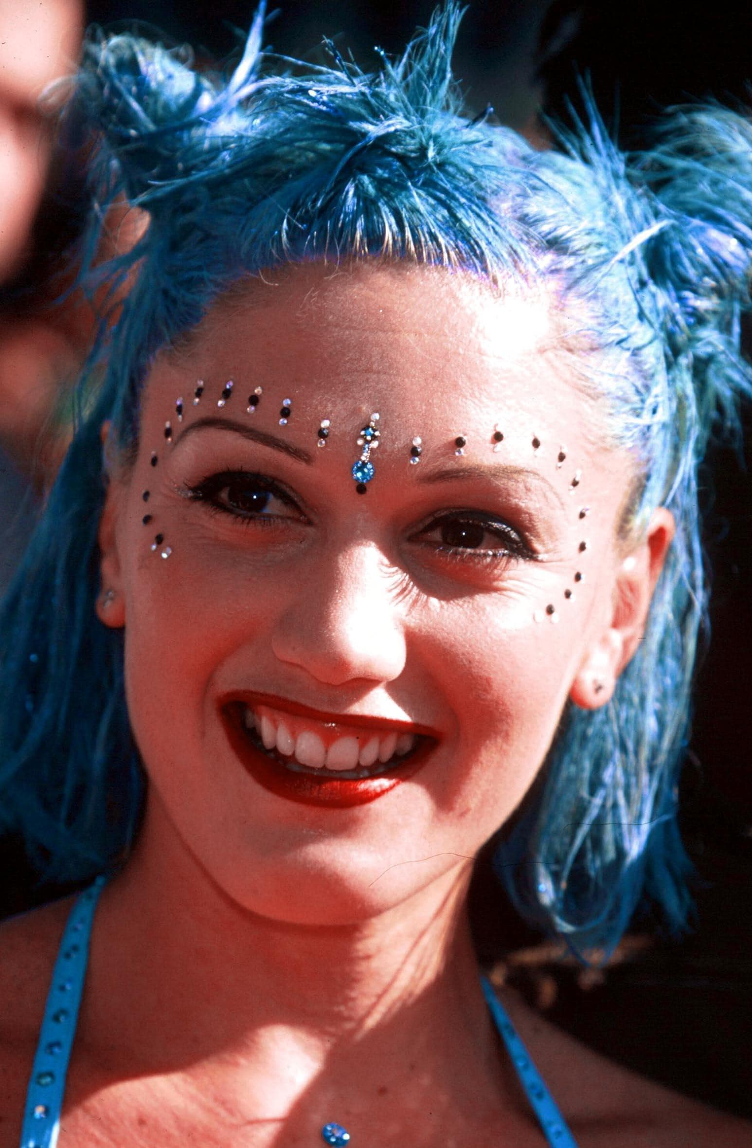 Gwen Stefani blue shoulder length hair with half up space buns