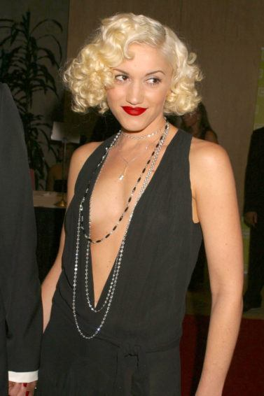 Gwen Stefani bob length blonde curly hair