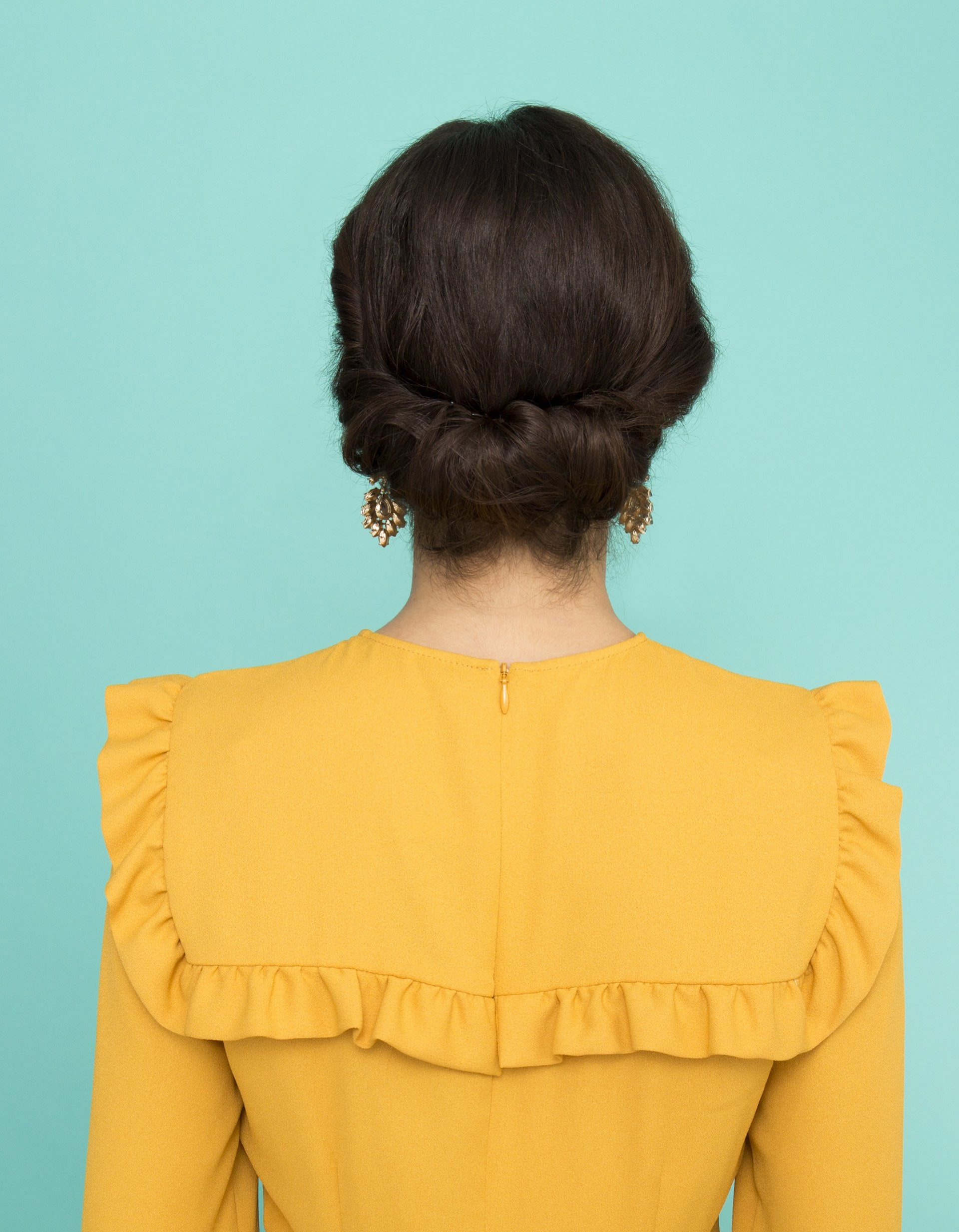 The Croissant Bun Is The Latest French Girl Hair Trend You Should Try - Croissant hairstyle bun