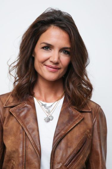 american actress katie holmes with medium length brunette hair