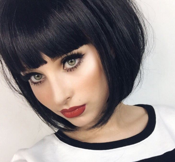 A Line With Bangs 6 Chic Looks From Instagram That Prove The Style