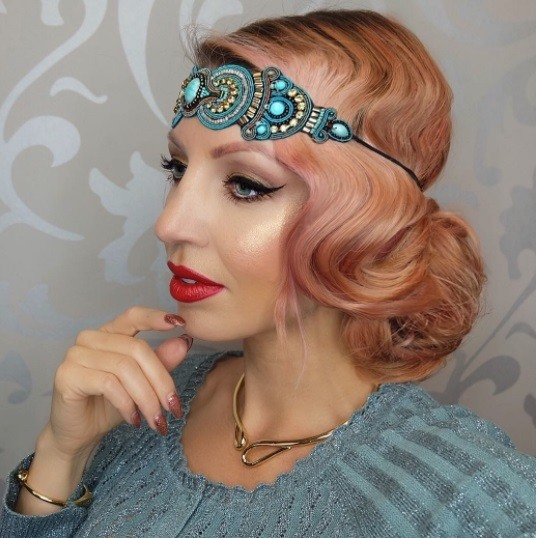Side Profile Photo Of A Woman With Rose Gold Pink Hair In 1920s Gatsby Style