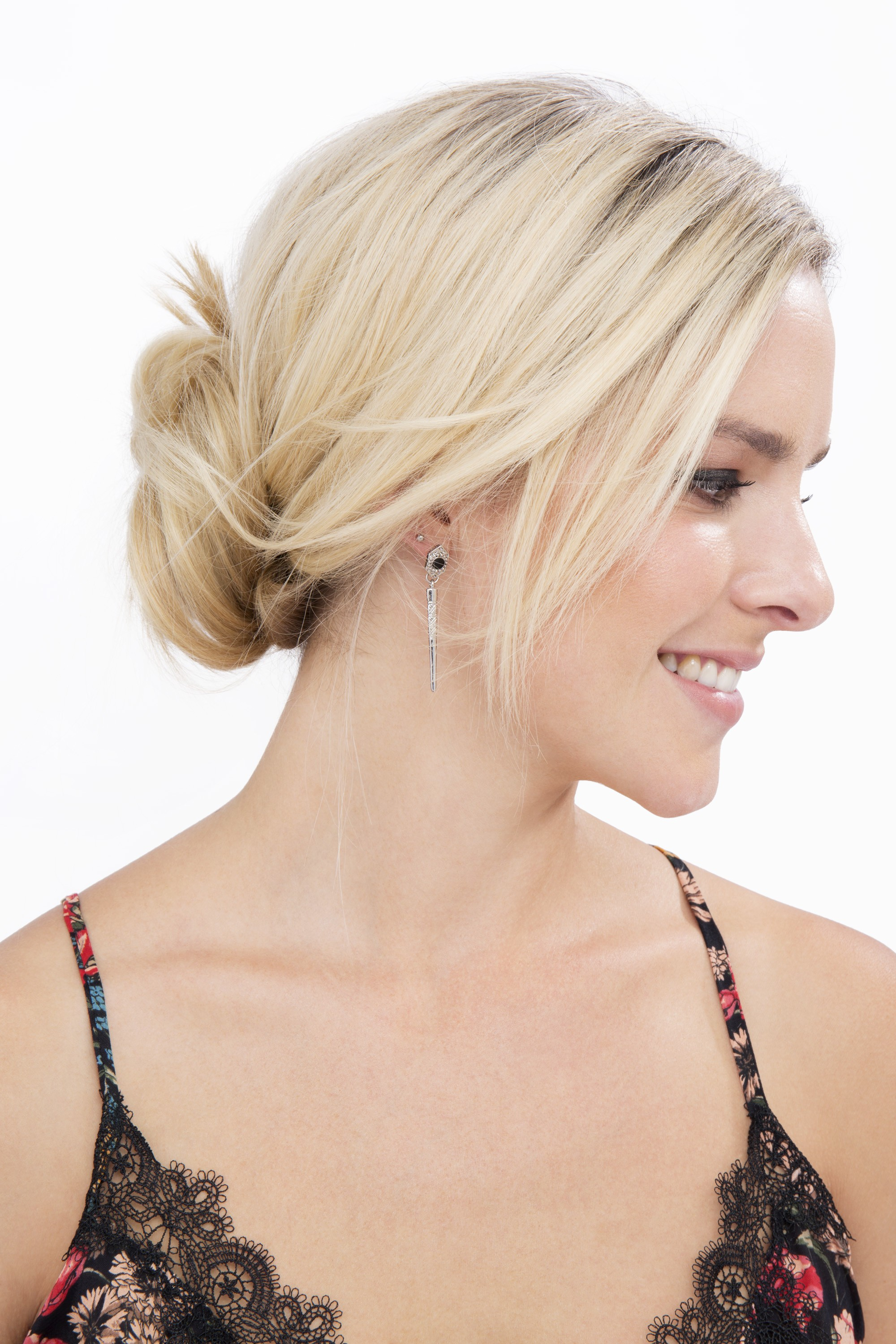 How to do a messy bun with long hair