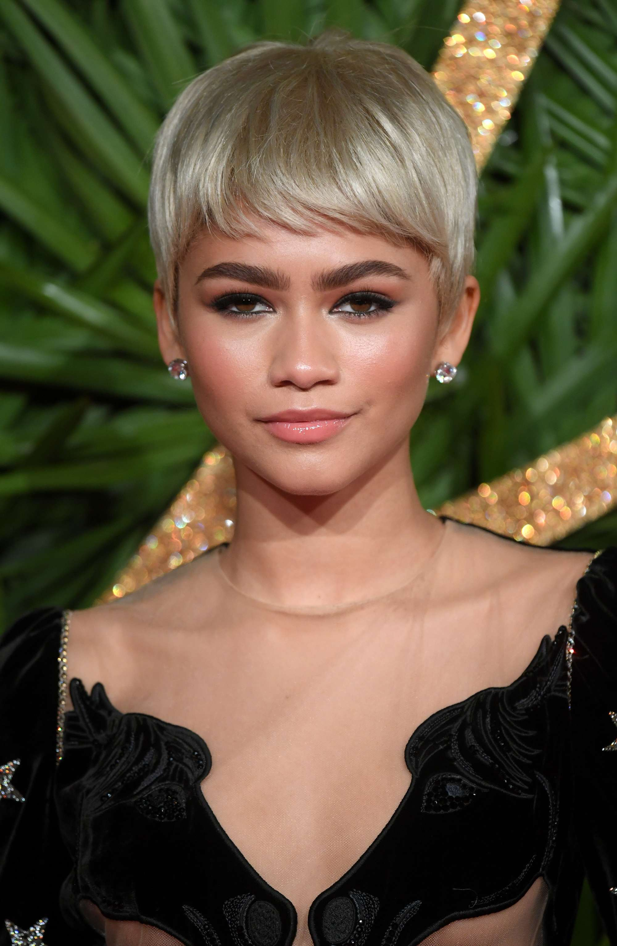 american actress and singer zendaya at the british fashion awards with a platinum blonde pixie wig